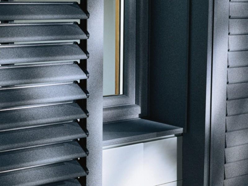 Porte finestre tapparelle e architetture for Uniform alluminio